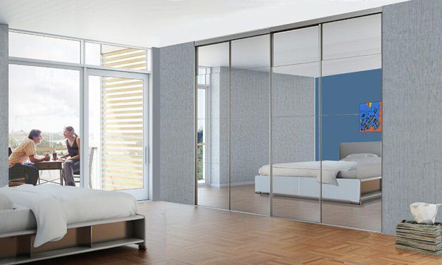 DecoSlide spejl skydedøre i flot spejlglas og aluminium