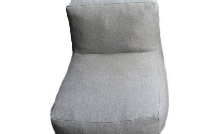 TROISPOMMESHOME loungestol – lysegrå Olefin stof