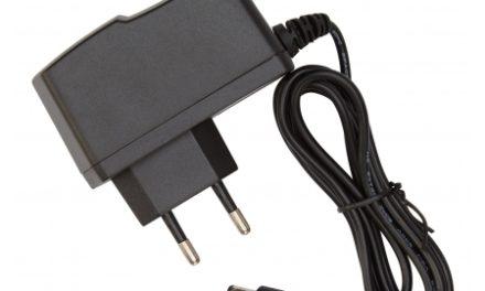 Atredo – Lader til Atredo MTB lygte –  Li-ion input 100-240V – Output 8,4V