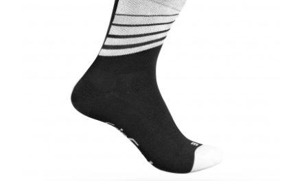 GripGrab 3014 Racing Stripes – Cykelstrømpe – Sort/Hvid