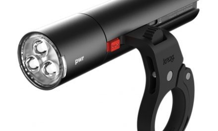 Knog – Cykellygte PWR Road – 600 lumen – Sort – USB opladelig – Powerbank funktion