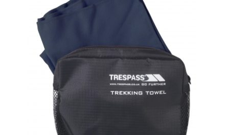Trespass Soaked – Hurtigtørrende mikrofiber håndklæde – Blå – 45 x 90 cm.